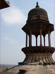 Orchha. On the Temples roof. Photo